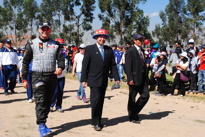 El piloto nacional Eduardo Castro y José Barrios, vicepresidente ejecutivo de la Corporación Continental