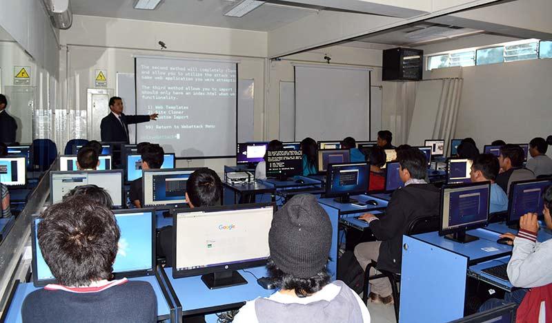 taller-en-seguridad-hacking-de-redes-sociales-y-vlan-redes-virtuales-2