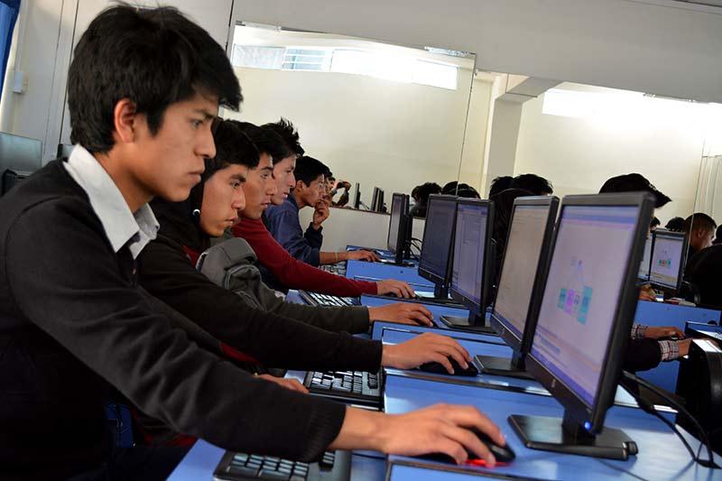 taller-en-seguridad-hacking-de-redes-sociales-y-vlan-redes-virtuales-3